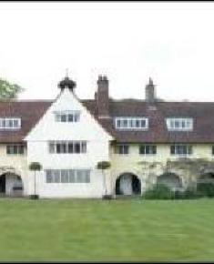 Waterlow Court Heath Close