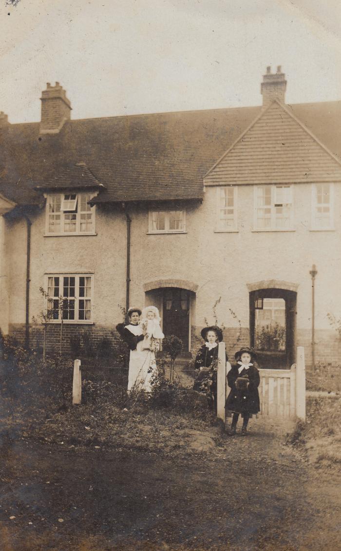 18 Asmuns Hill c.1909